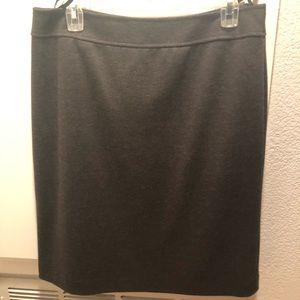 Tahari gray pencil skirt